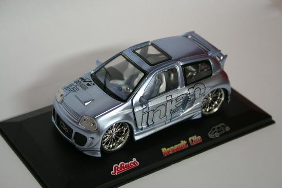 1:32 RENAULT CLIO SILVER INJEN